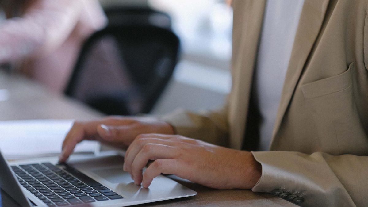 20210215 oferta de empleo técnico de proyectos Innovaris 3X2